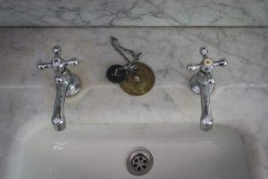 Bateria umywalkowa retro